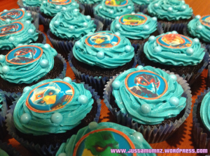 Chima Lego Party - Invitations & Cupcakes