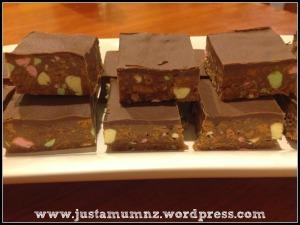Chocolate Clinker Slice 91